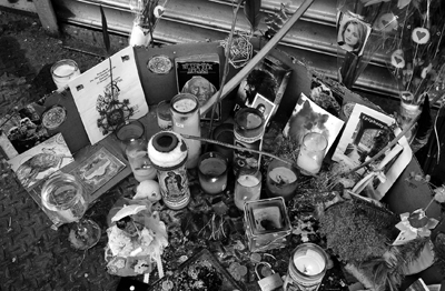 Street memorial for Nicole duFresne, New York, 2005.