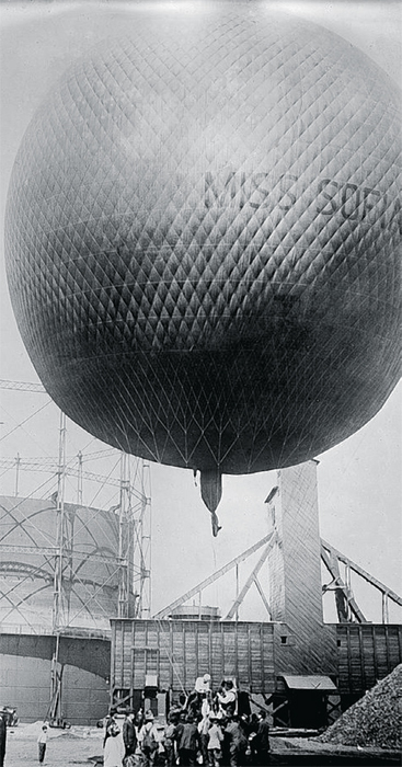 The Miss Sofia hot-air balloon, ca. 1910.