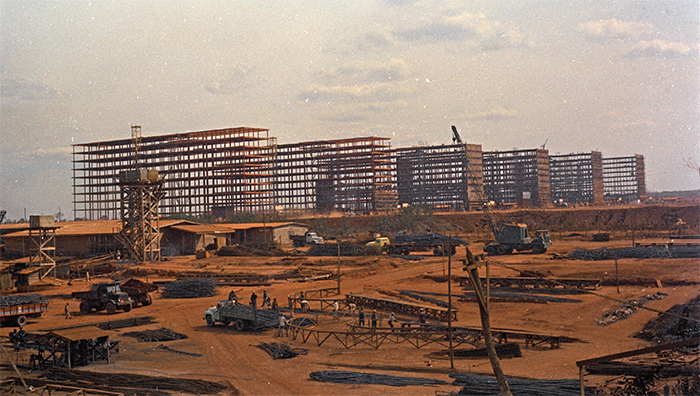 Lucio Costa and Oscar Niemeyer, Ministerial Esplanade, 1958–60, Brasília. Photograph of construction site.