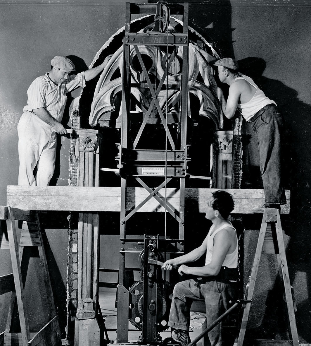 "Installation of a gothic archway for an ""atmosphere room"" in the Rhode Island School of Design Museum, Providence, RI, 1940."