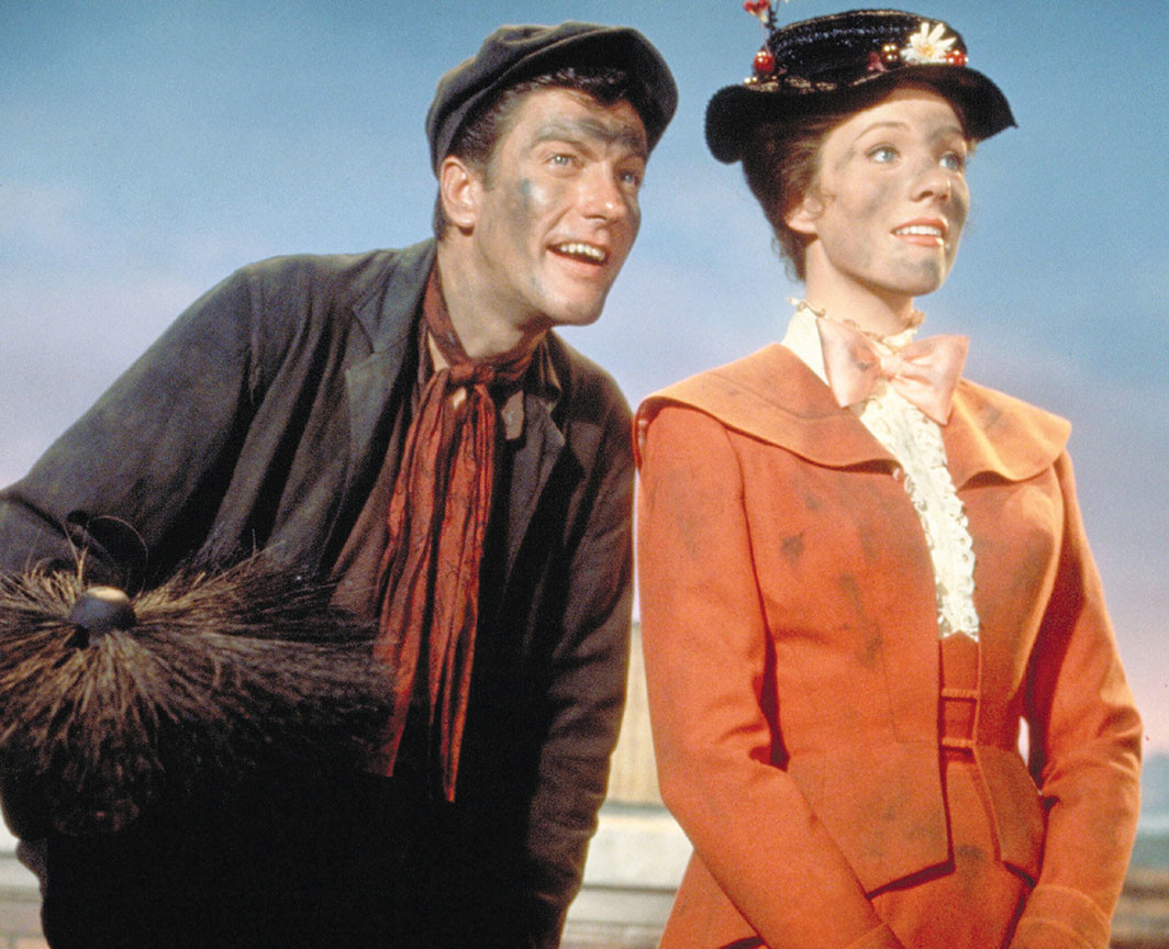Robert Stevenson, Mary Poppins, 1964. Bert (Dick Van Dyke) and Mary Poppins (Julie Andrews). © Walt Disney Productions