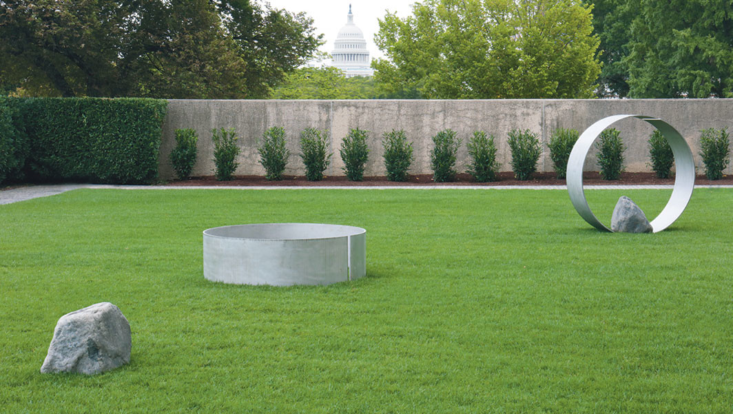 Lee Ufan, Relatum—Ring and Stone, 2019, stainless steel, stone. Installation view, Hirshhorn Museum and Sculpture Garden, Washington, DC. © Lee Ufan, Courtesy the artist and Pace Gallery